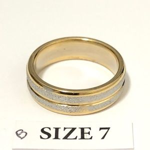 Gold & Silver Tone Frosted Ring, Size 7